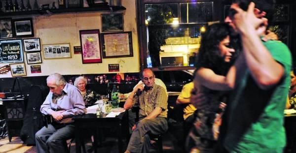 Bar Los Laureles (que ciento veinte años no es nada...)