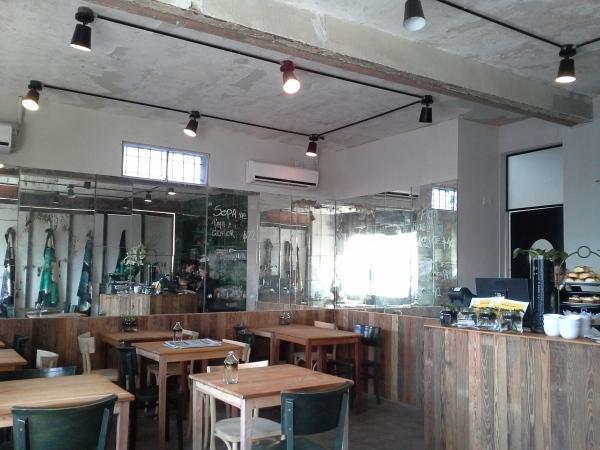 Yeite Café