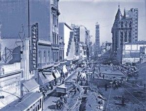 Ensanche calle Corrientes y construcción del Obelisco